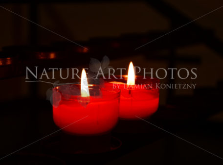 Opfer Kerzen in der Kirche Obersatdion - Nature Art Photos by Damian Konietzny